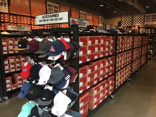 267e7b6c7e169b Vans Outlet - Shoe Stores - 7628 West Reno Ave