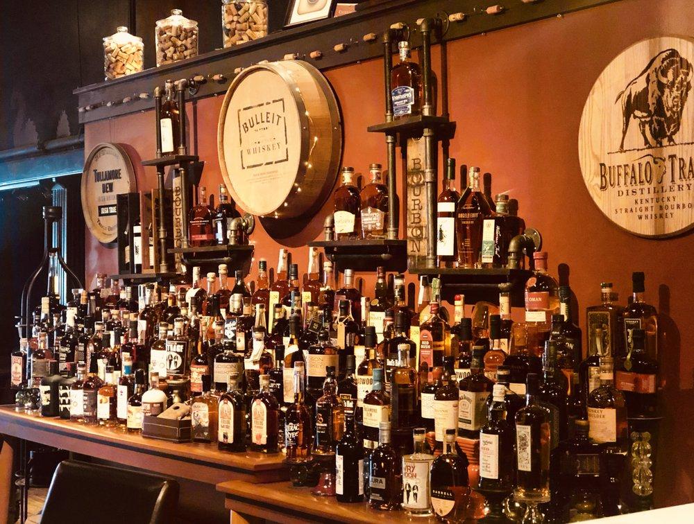 Market Alley Wines: 59 Public Sq, Monmouth, IL