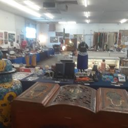 lightning auctions 23 reviews auction houses 870 s rock blvd