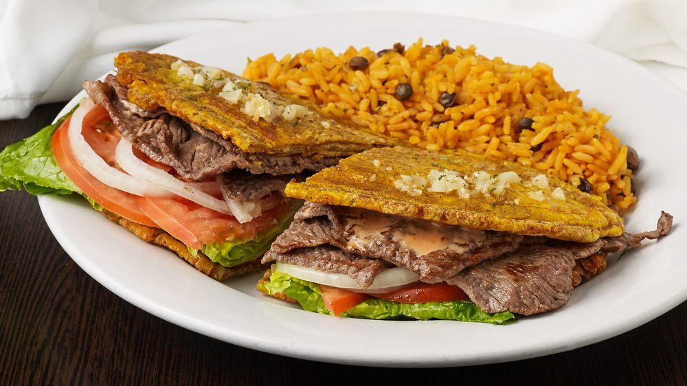 El Buren Caribbean Cuisine: 331 Waukegan Ave, Highwood, IL