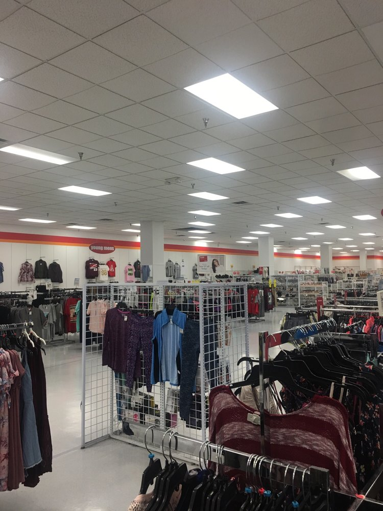 Beall's Outlet 410: 2800 Old Dawson Rd, Albany, GA