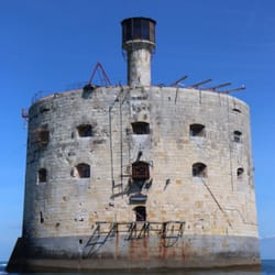 Fort Boyard - 10 photos & 12 avis - Lieu & Bâtiment historique ...