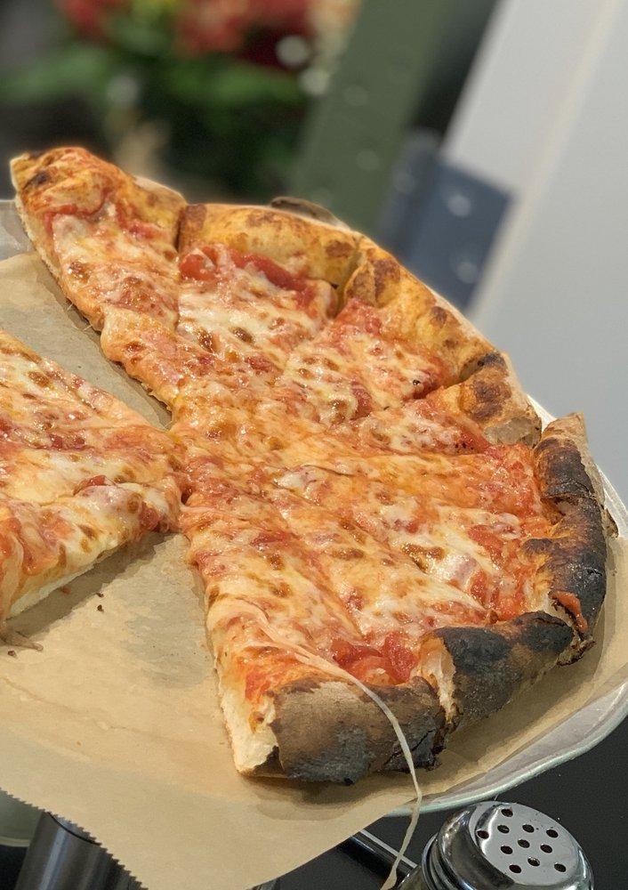 Pizza Parlor: 480 N Bedford Rd, Chappaqua, NY