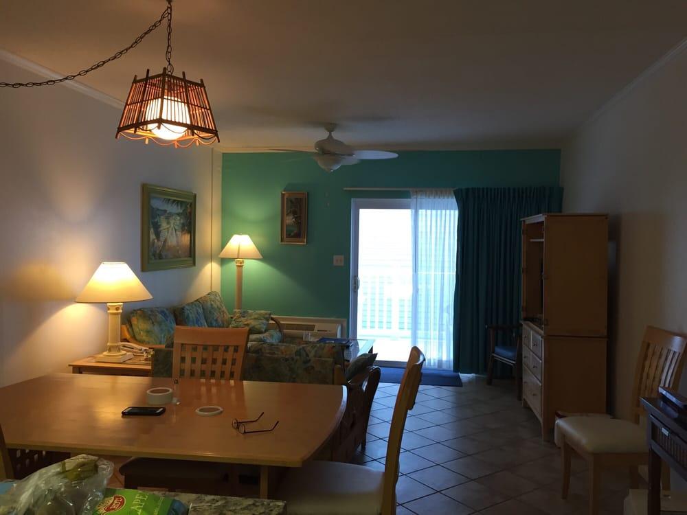 Whaler Inn Beach Club: 323 Salter Path Rd, Atlantic Beach, NC