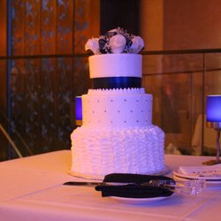 Las Vegas Wedding Cakes Delivered On The Move