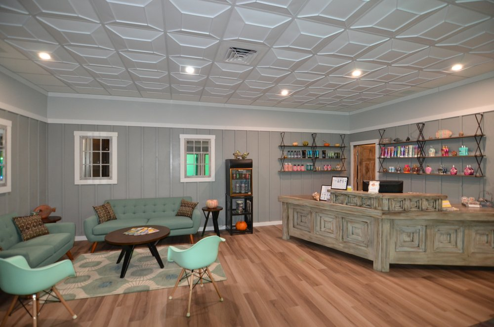 Beaches Tanning Salon: 4217 Wheaton Way, Bremerton, WA
