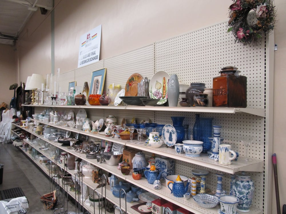 Acts Thrift Store 57 Photos 123 Reviews Thrift Stores 1311 N Altadena Dr Pasadena Ca