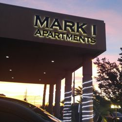 mark one apartments apartments 1020 e desert inn rd eastside