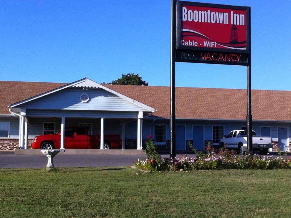 Boom Town Inn: 203 Settle Dr, Drumright, OK