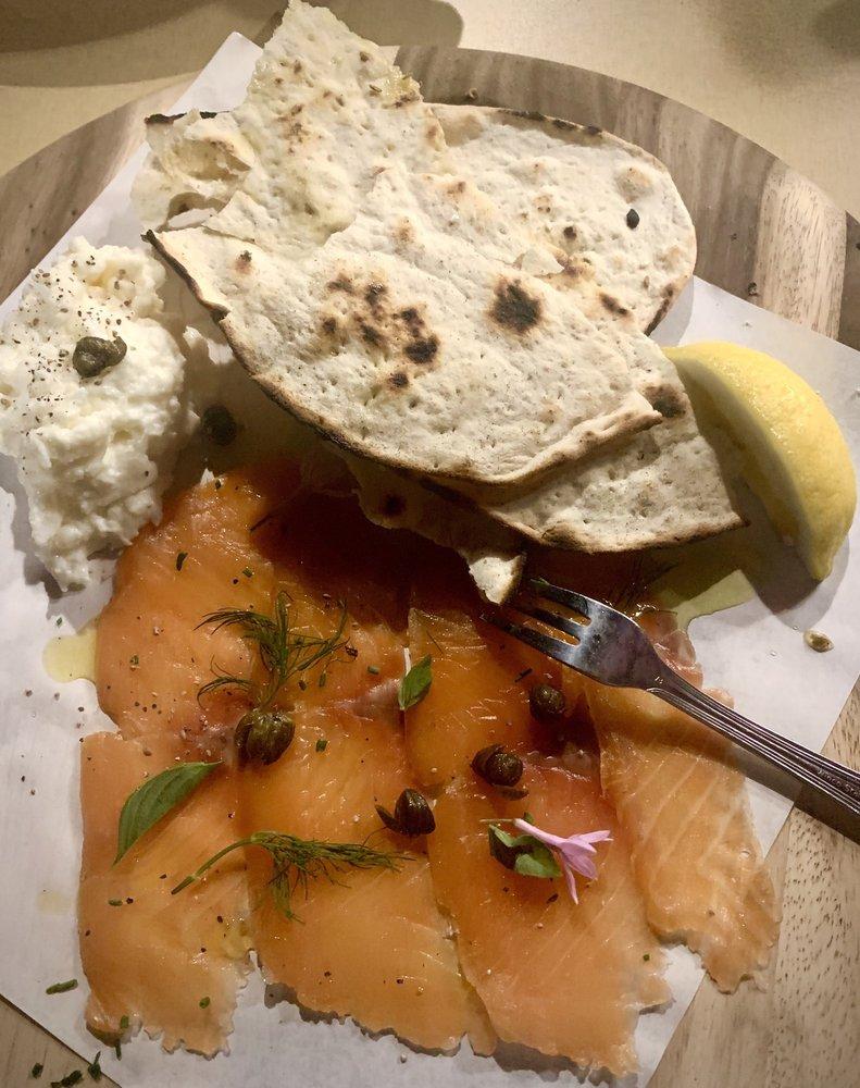 Little Dom's Seafood: 686 Linden Ave, Carpinteria, CA