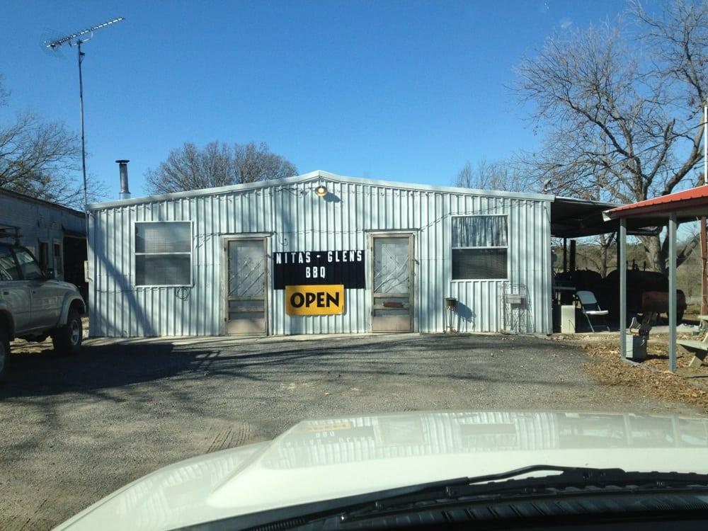 Nita's & Glen's BBQ: 1107 S Rice St, Hamilton, TX