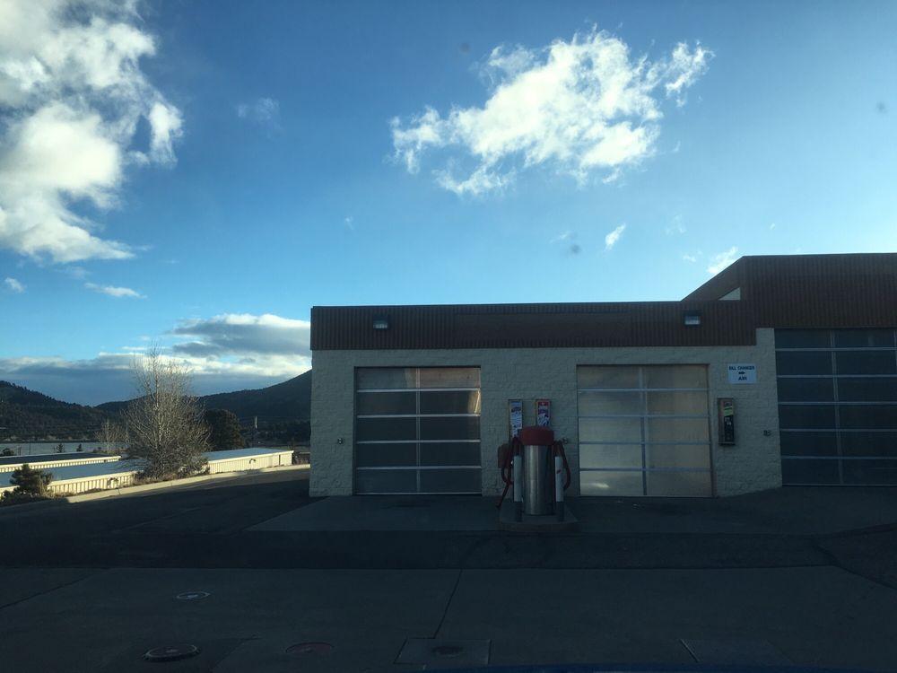 Shell: 534 S Saint Vrain Ave, Estes Park, CO