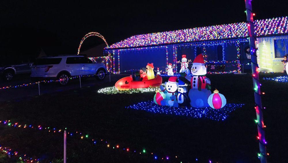 Cedar Hollow Xmas Display: Bunyan St, Sarasota, FL