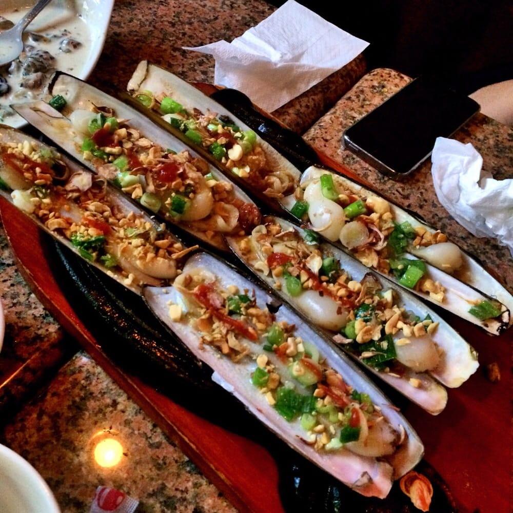 Half Time Restaurant - 68 Photos & 12 Reviews - Sports Bars - 13187 ...