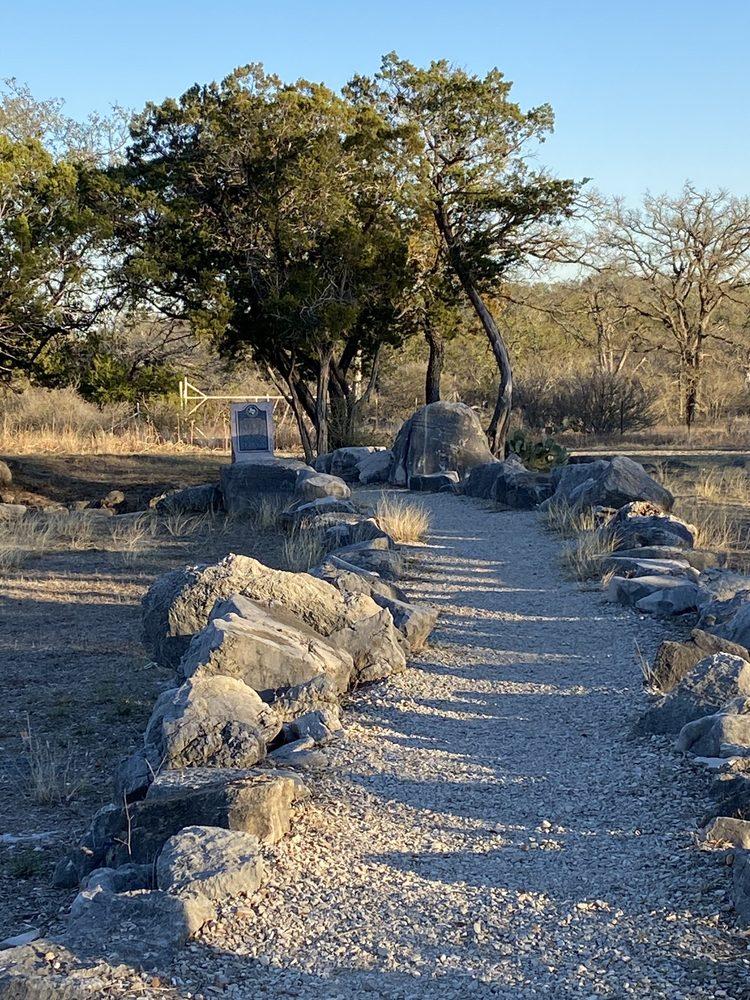 Dead Man's Hole: Cr 401, Spicewood, TX