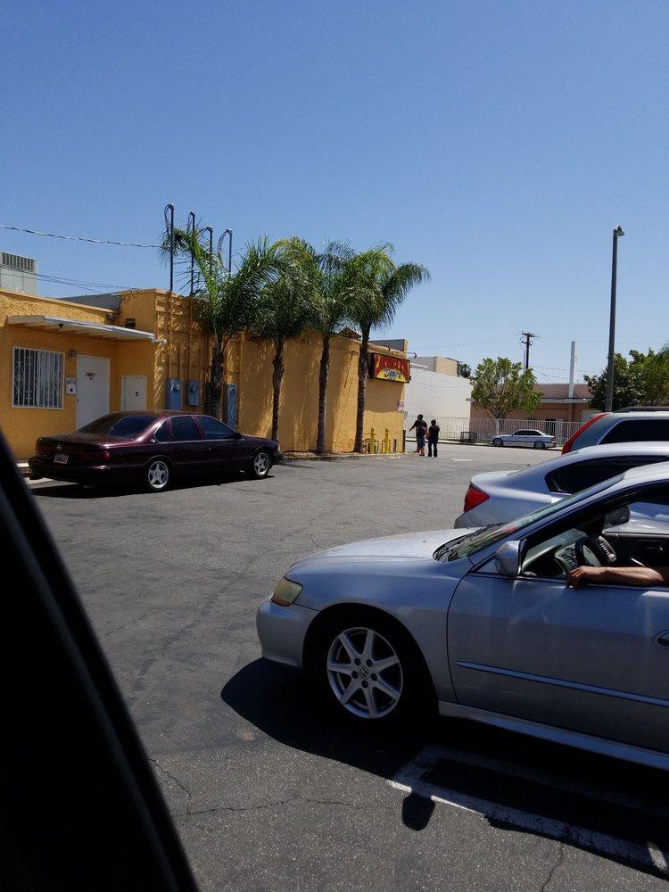 Ziggy's: 965 N MacLay Ave, San Fernando, CA