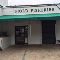 Fjord fish market 25 photos seafood markets cos cob for Fish market ct