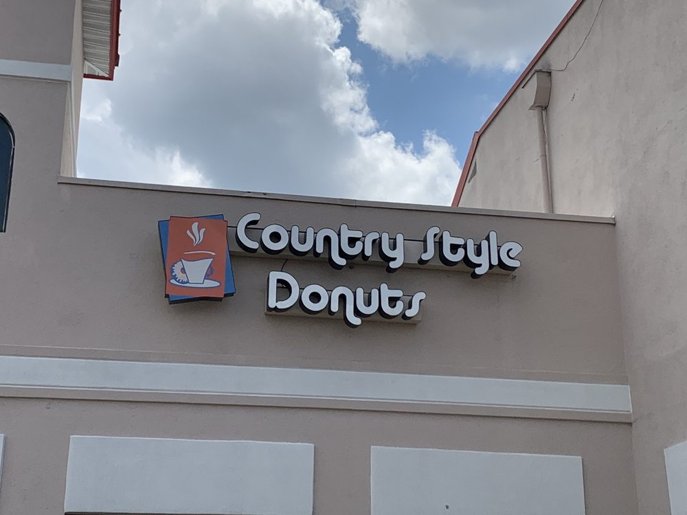 Country Style Donuts: 8902 W Broad St, Henrico, VA