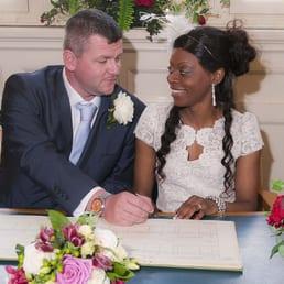 Photo Of Waltham Forest Registry Office Wedding Photography London United Kingdom