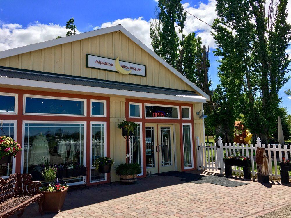 Crescent Moon Ranch: 7566 N Hwy 97, Terrebonne, OR