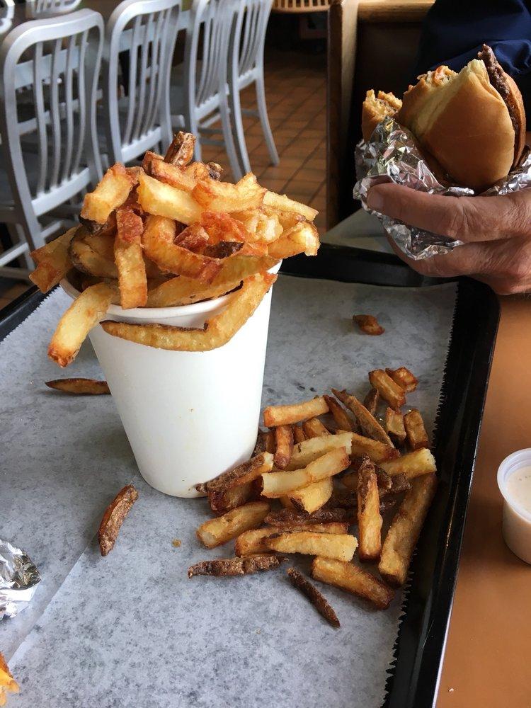 Mojo Burger: 702 S Maiden Ln, Joplin, MO