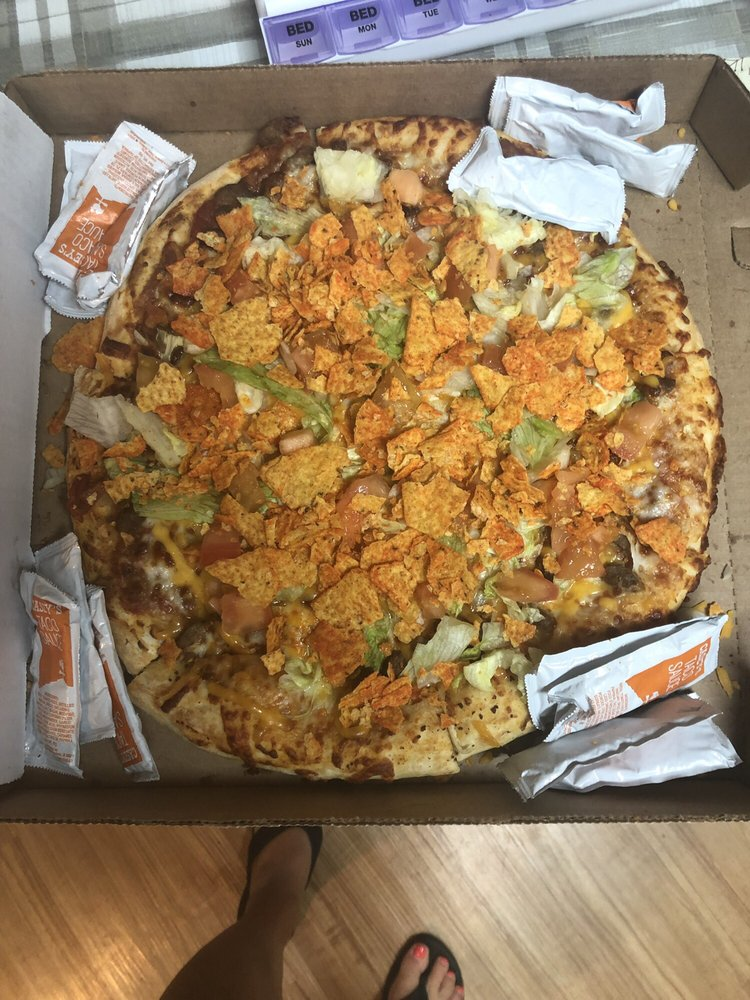 Casey's Carry Out Pizza: 304 N Main St, Ottawa, KS