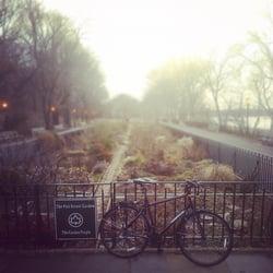 Photo Of 91st Street Garden   New York, NY, United States. It Looks