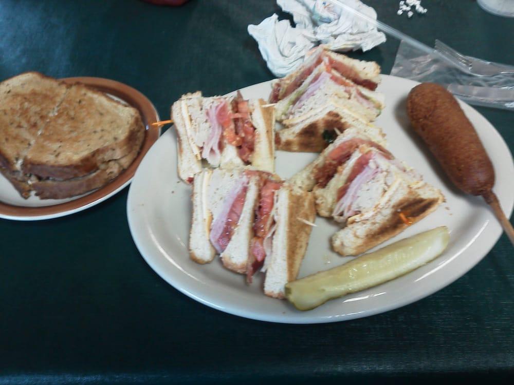 Rosie's Diner: 338 Hwy 434, Cumberland City, TN