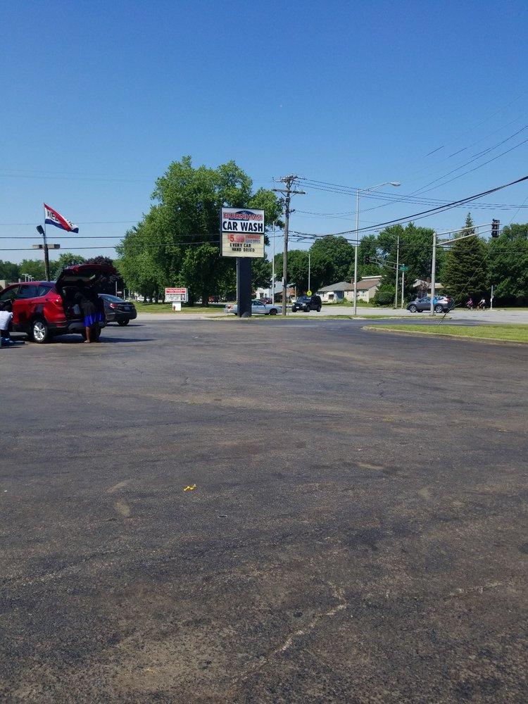 Burnham Car Wash: 18604 Burnham Ave, Lansing, IL