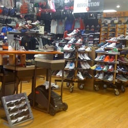 P   J Footwear - 14 Reviews - Shoe Stores - 1627 W Howard St 638e5573b