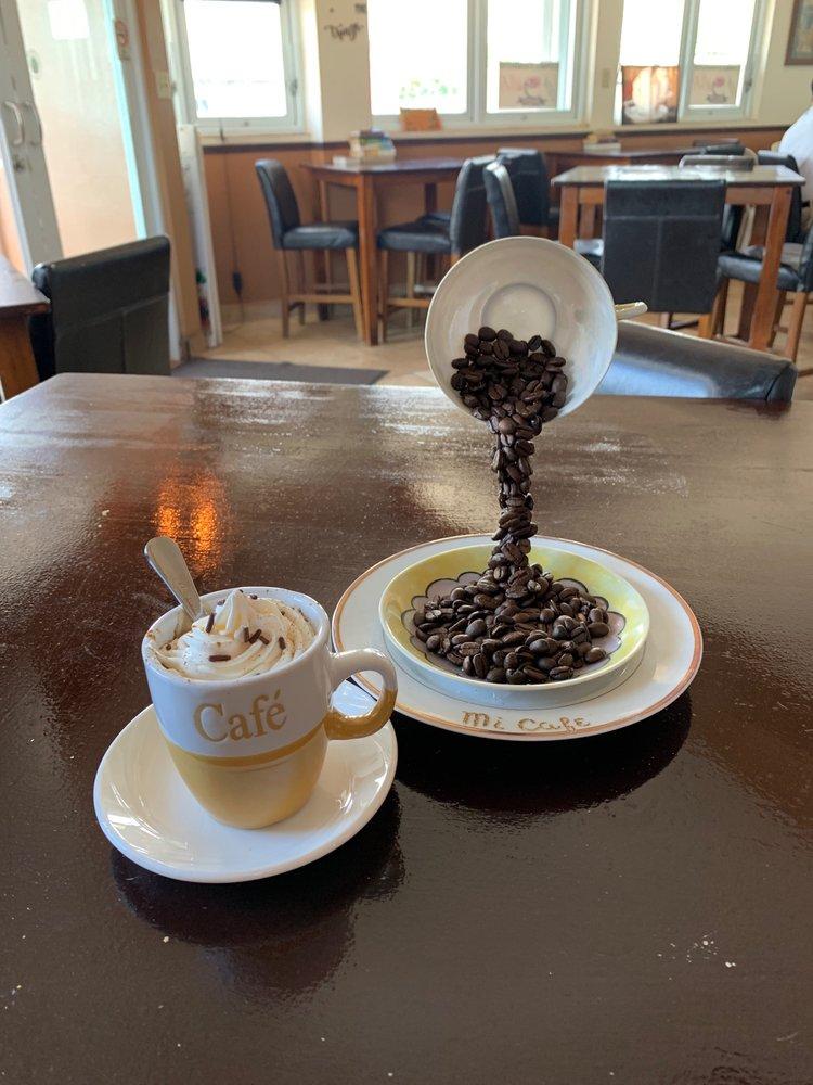Mi Café: Calle Marginal S/N, Bayamón, PR