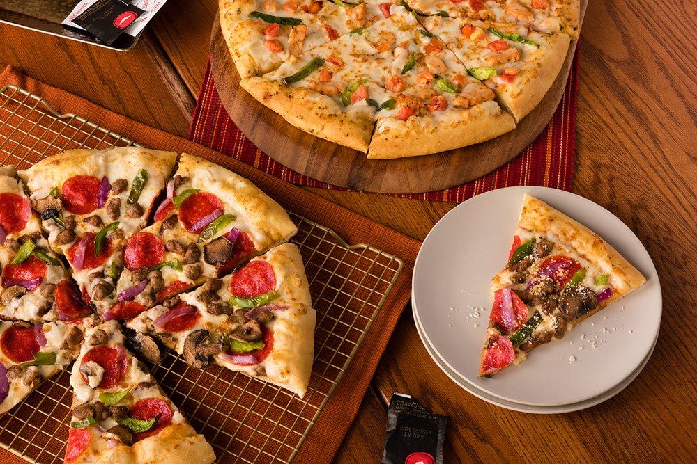 Photo of Pizza Hut: Etowah, TN