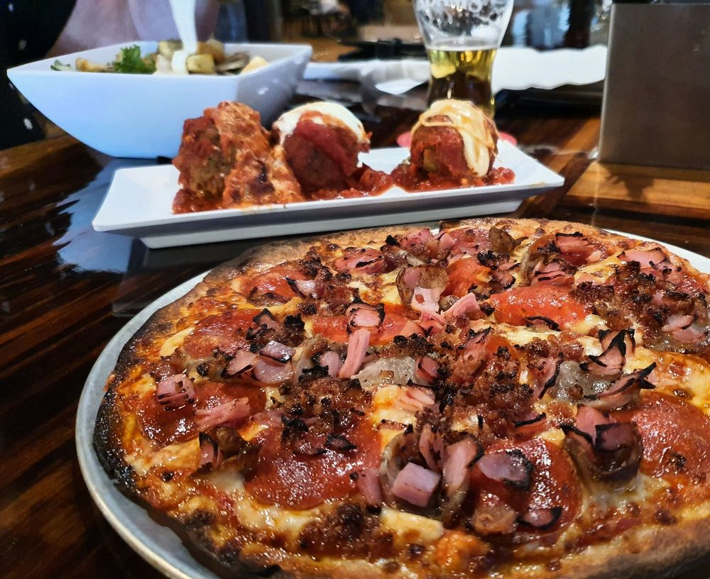 Food from Chanti's Pizza