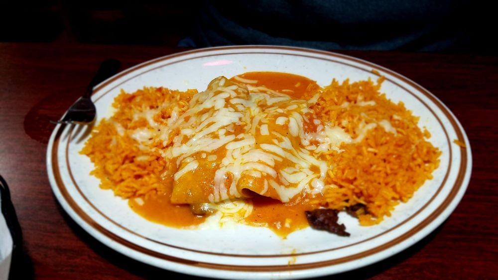 Three Amigos Family Restaurant: 2820 Falls Ave, Waterloo, IA