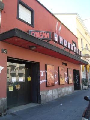 Cinema pussicat milano orari
