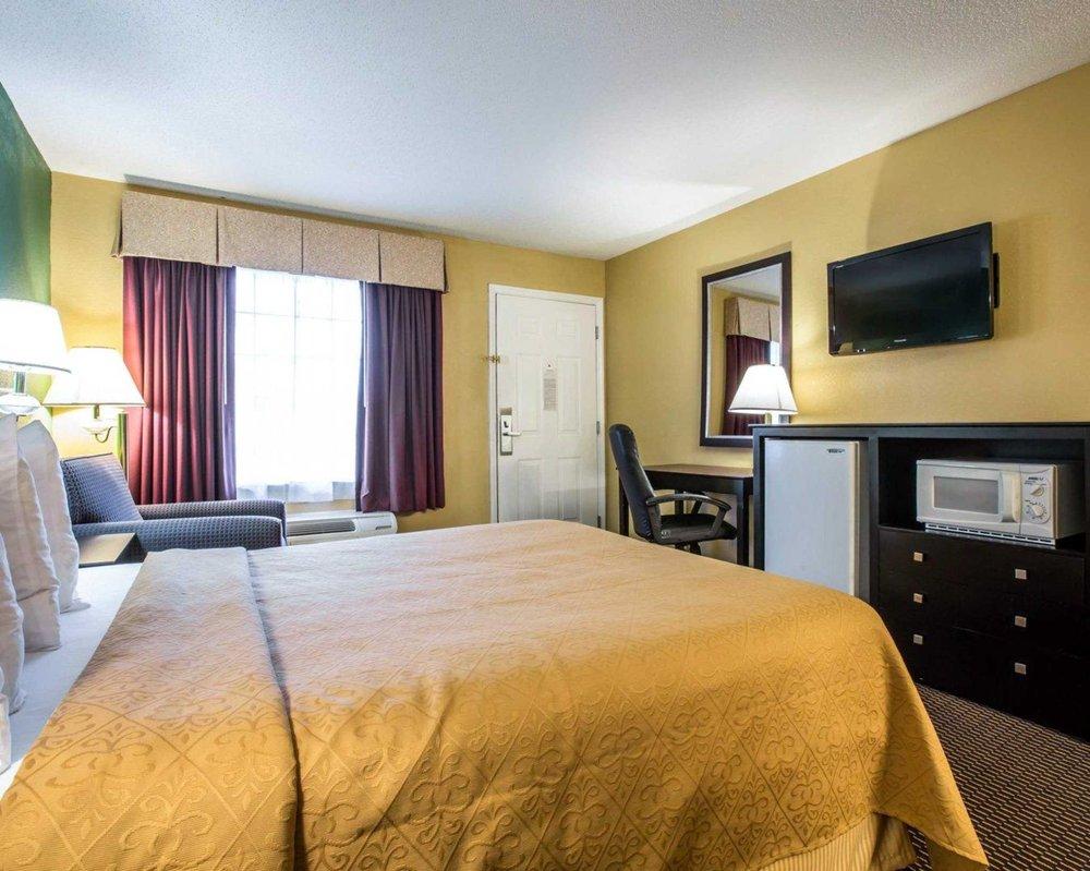 Quality Inn: 138 Upper Valley River Lane, Andrews, NC
