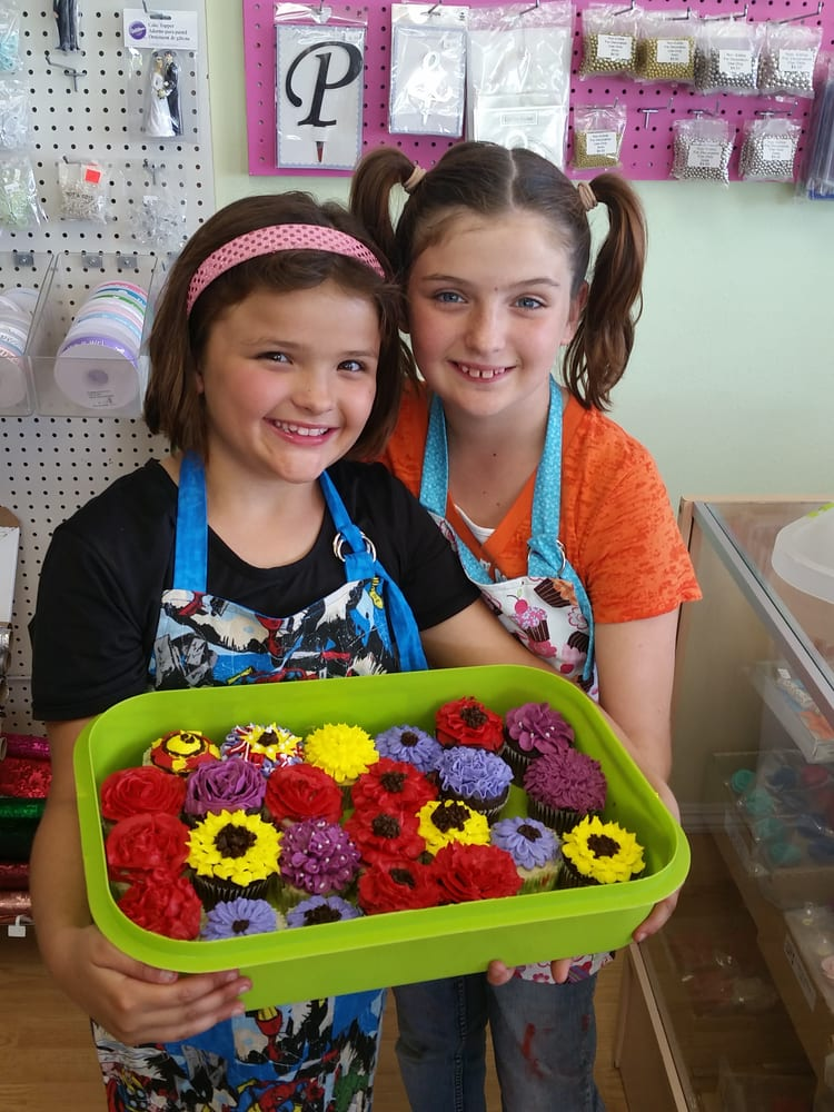 Creative Cakes & More