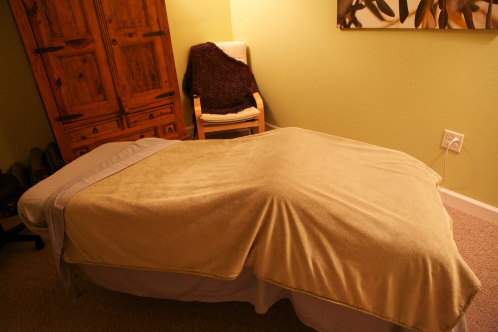 Live Oak Yoga & Massage: 2901 Curry Ford Rd, Orlando, FL