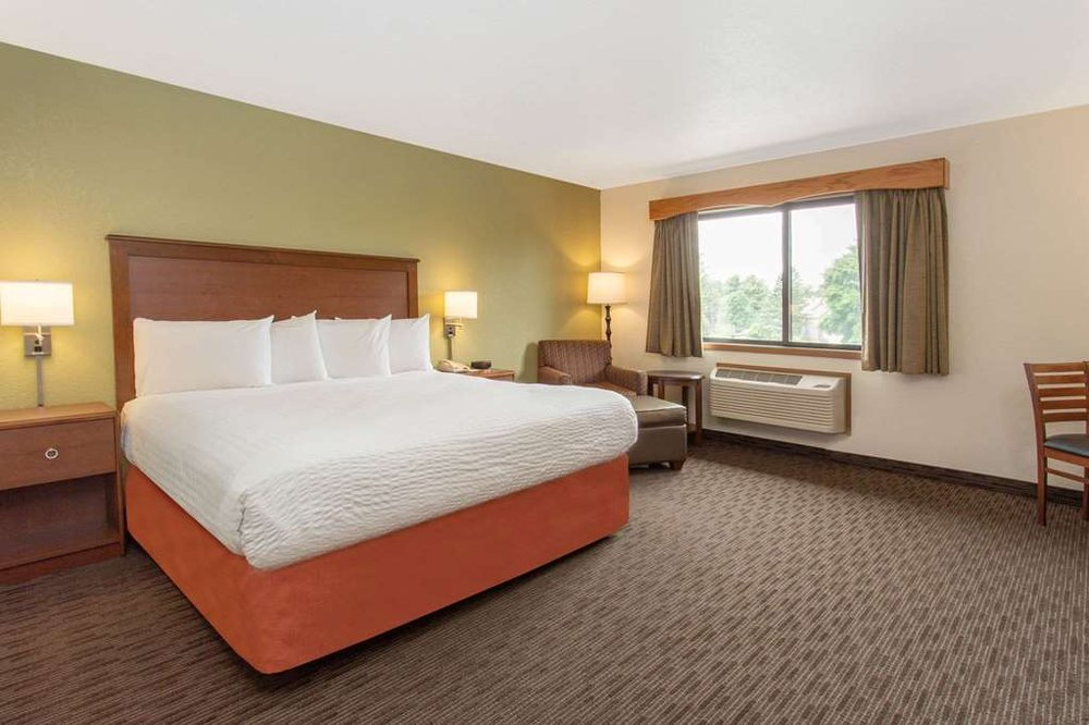 AmericInn by Wyndham Calumet: 56925 South 6th St, Calumet, MI
