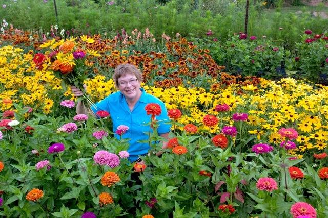 Live Flower Garden : Minnesota grown garden flowers for your wedding or special
