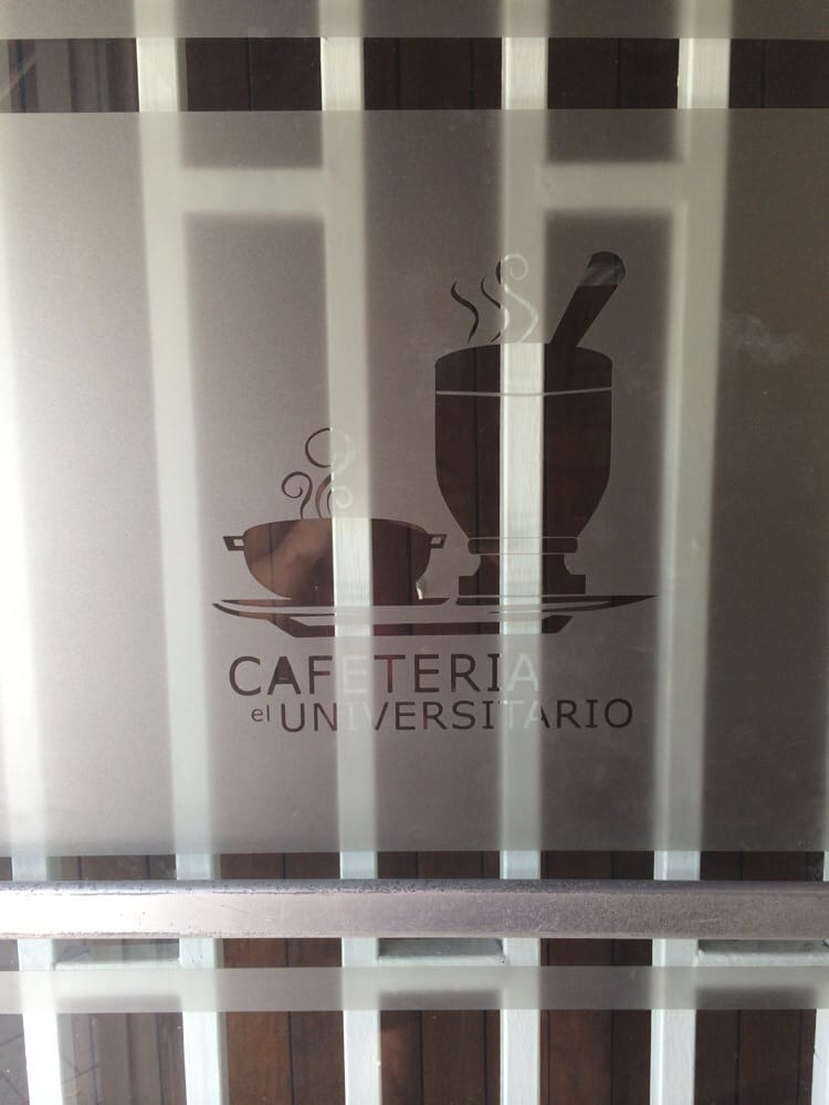 Cafeteria Le Universitario: Calle Vicente Palés Matos, Guayama, PR