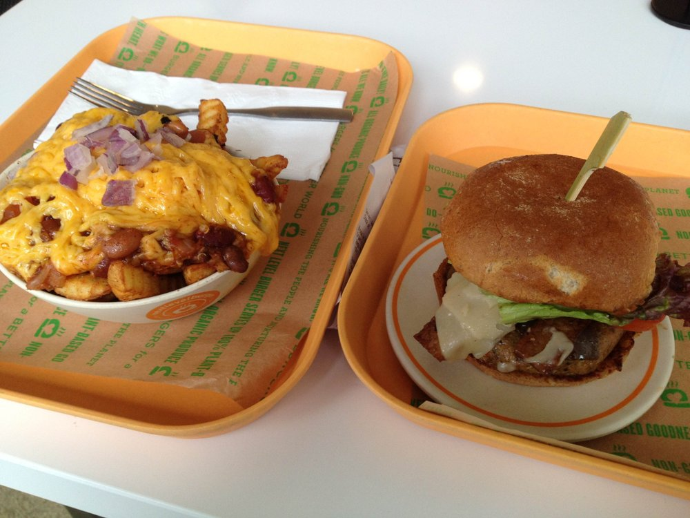 Brooklyn Burger And Chili Cheese Fries Best Vegan Cheddar I Ve Ever