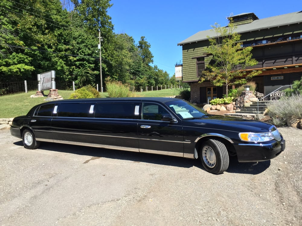 Elan Limousine Service: 2625 North Meridian St, Indianapolis, IN
