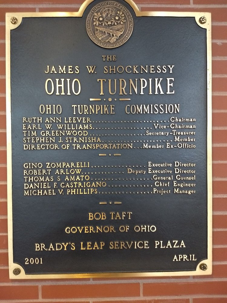 Brady's Leap Service Plaza: 9250 Limeridge Rd, Mantua, OH