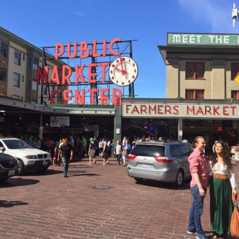 Pike place market 5690 photos 2950 reviews shopping for Fish market greenville sc