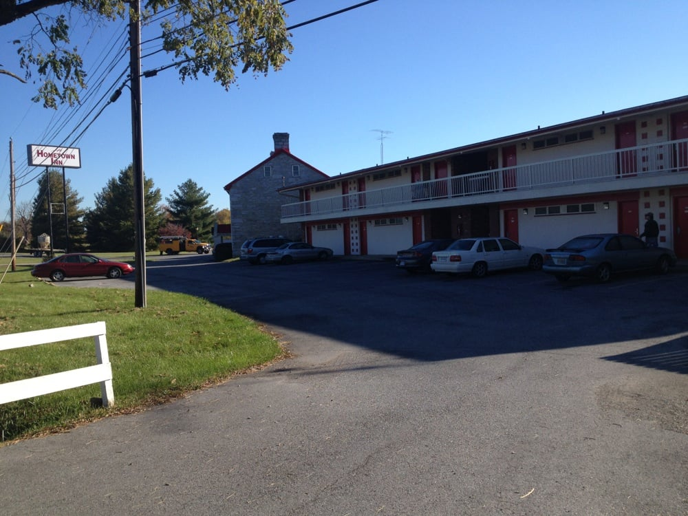 Hometown Inn: 3554 Lee Jackson Hwy, Staunton, VA