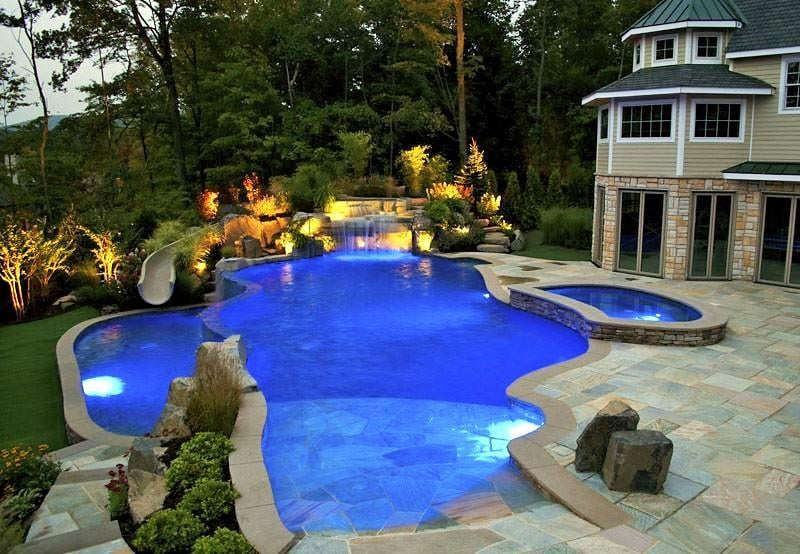 Custom 38\' x 15\' Swimming Pool with Beach Entry. This Swimming Pool ...