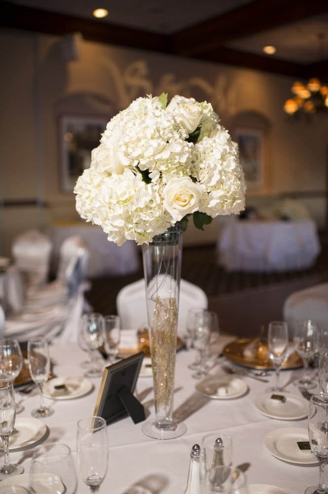 Tall Vase Centerpiece With Gold Glitter Twings Yelp