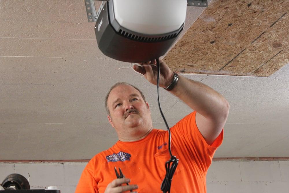 Highly trained professional garage door repair for for Garage door repair in kissimmee fl