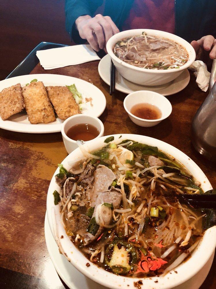 Anh Hong Pho & Cafe: 7036 Terminal Sq, Upper Darby, PA